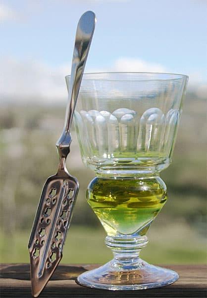 absinthe bio