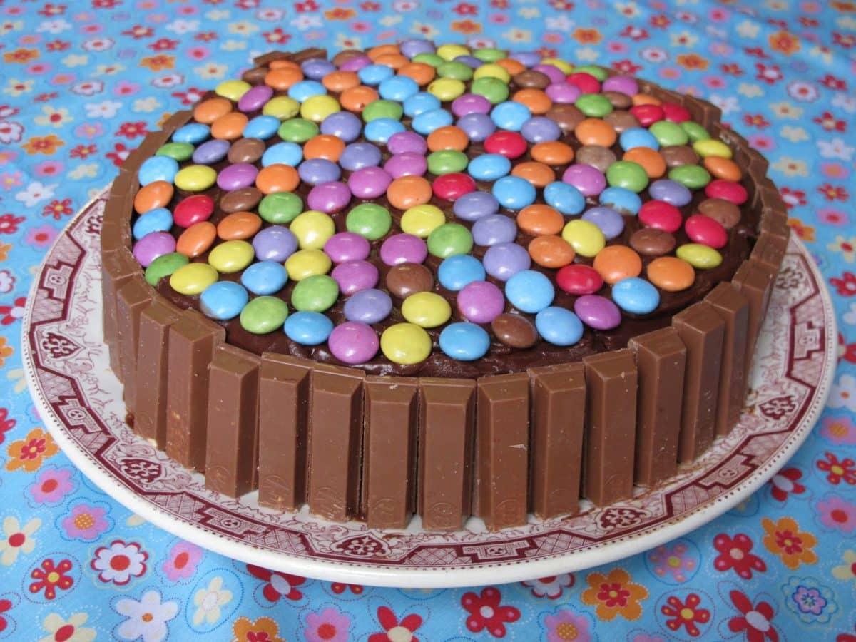 5 astuces pour bien choisir le gâteau d'anniversaire de votre enfant